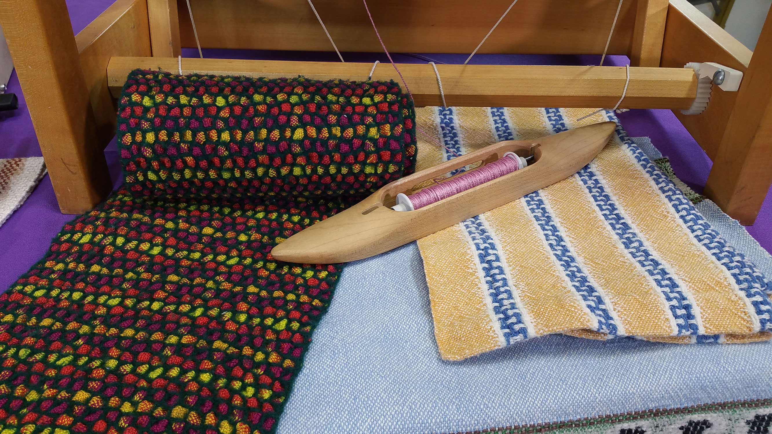 Weaving a Scarf on a <br>4-Shaft Loom