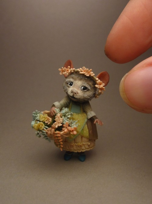 sculpt-miniature-mouse-02.jpg