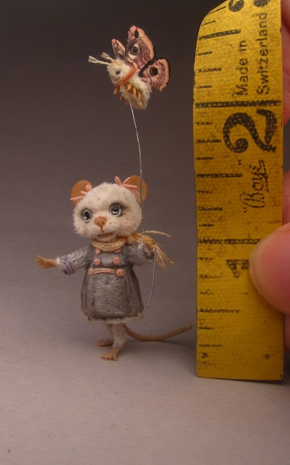 sculpt-miniature-mouse-04.jpg