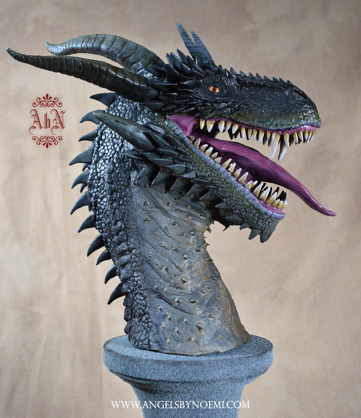 sculpting-dragons-05.jpg