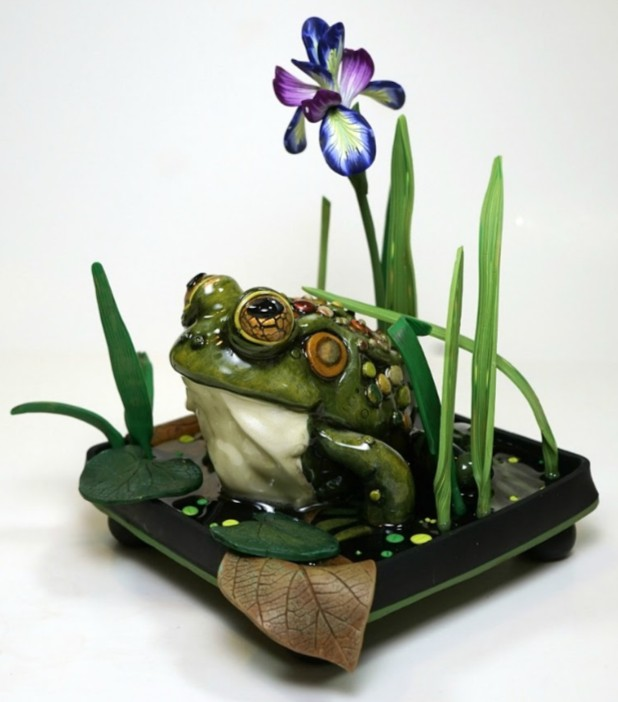 Sculpting a Polymer Clay Frog in a Pond with Melissa Terlizzi