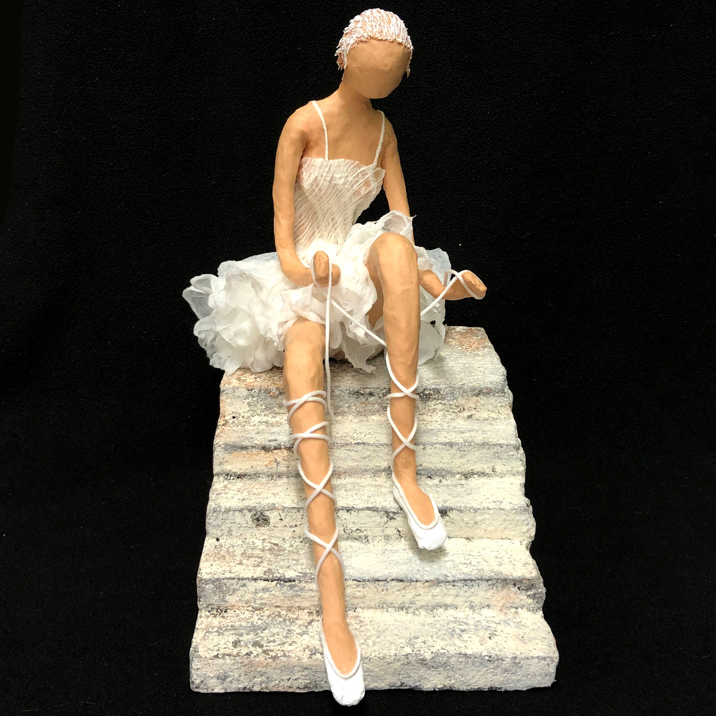 How to Make a Ballerina Sculpture in Fabric using Fabric Hardener (Paverpol)